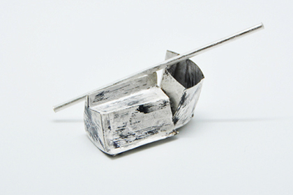 A boat / Brooch / Yuki Sumiya [contemporary jewellery and object]