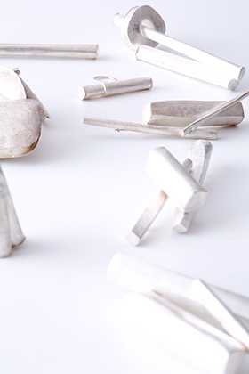 White artifact / Yuki Sumiya [contemporary jewellery and object]
